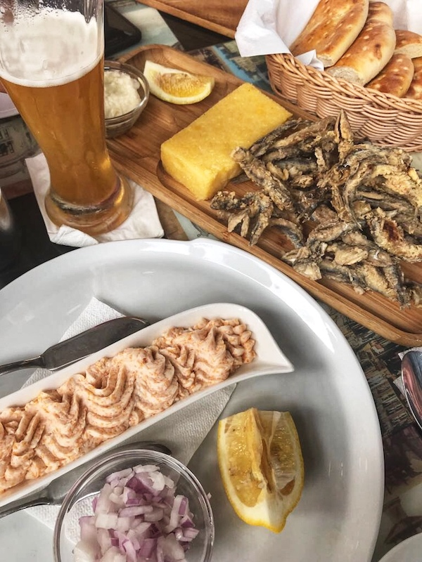 Turul restaurantelor pe litoral